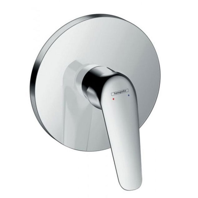 Novus 71067000 ХромСмесители<br>Смеситель для душа Hansgrohe Novus 71067000.<br>Встраиваемый однорычажный смеситель имеет долгий срок эксплуатации за счет качественных деталей, неприхотлив в уходе. Дополнит любую ванную комнату в современном стиле плавными линиями и изящной формой конструкции.<br><br>Характеристики:<br>Изготовлен из высококачественной латуни с гладким хромированным покрытием, которое не теряет цвет со временем, устойчиво к царапинам и превосходно защищает от коррозии.<br>Регулируемое ограничениетемпературы.<br>Вид соединения: скрытая часть.<br>Класс шума: I.<br>Класс расхода воды: C.<br><br>В комплекте поставки: смеситель.<br>