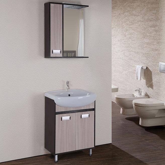 Гамма 60 Ясень ВенгеМебель для ванной<br>Тумба под раковину Onika Гамма 60 106080.<br>Превосходно сочетается в интерьере любой ванной комнаты в стилистике современного дизайна. Предназначена для использования в условиях повышенной влажности.<br><br>Цвет: ясень, венге.<br>Габариты корпуса тумбы (ШхВхГ): 58,4 х 83 х 29,8 см.<br>Фасад корпус тумбы выполнены из влагостойкой ДСП, покрытие - шпон.<br>Две распашных дверцы.<br>Фурнитура: доводчики с механизмом плавного закрывания и хромированные ручки.<br>Ножки регулируемые: передние из металла цвета хром, задние из пластика.<br>Установка напольная.<br>В комплекте поставки: тумба.<br><br>