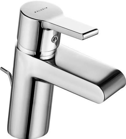 O-Cean 383400575 ХромСмесители<br>Смеситель для умывальника Kludi O-Cean 383400575 однорычажный. В комплект входят: широкий каскадный аэратор, керамический картридж с ограничителем горячей воды, донный клапан 1 1/4, система быстрого монтажа, гибкая подводка G 3/8. Покрытие хром.<br>