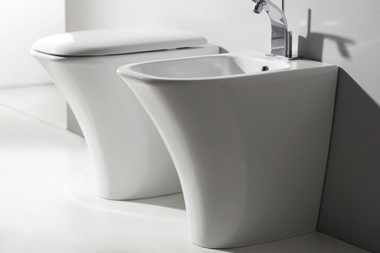 Amica BAMI НапольноеБиде<br>Биде Nero Ceramica Amica BAMI напольное, размер 560x3650 мм, белое.<br>